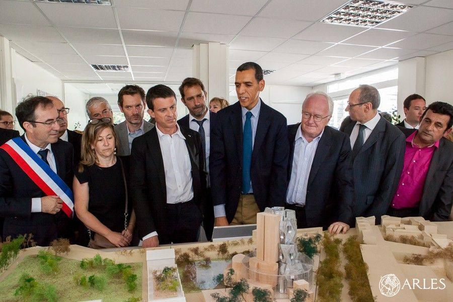 Visite estivale du Premier Ministre Manuel Valls et de sa femme à Arles.