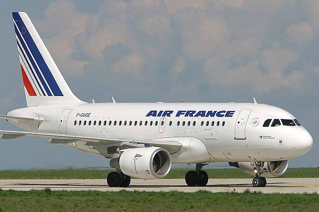 Un-Airbus-A318-dAir-France-CC-Philippe-Noret-AirTeamimages